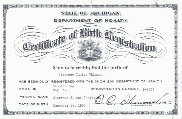 Birth registration for Clarence Uhlmann.
